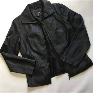 East 5th Genuine Leather Jacket Womens Sz M